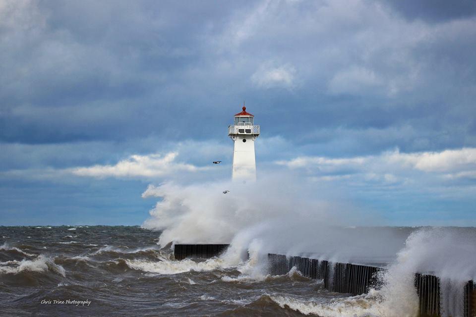 Angry Lake Ontario as the seasons change (photo)
